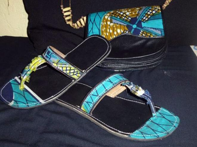 Babouche et sac à bandoulière fabriqué à base des tissus wax et du semi cuire(Création 2014)